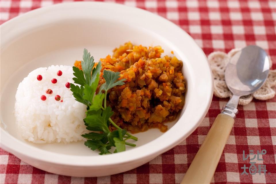 刻みソーセージのドライカレー(玉ねぎ+温かいご飯を使ったレシピ)