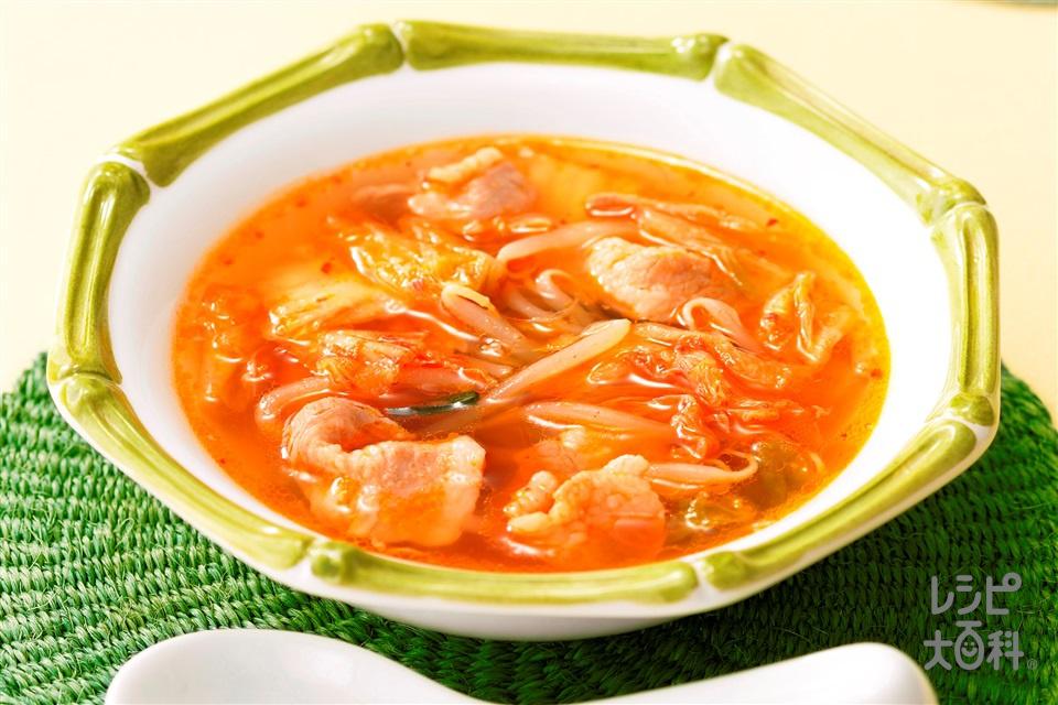 暑さよ吹っ飛べ豚キムスープ(豚バラ薄切り肉+もやしを使ったレシピ)