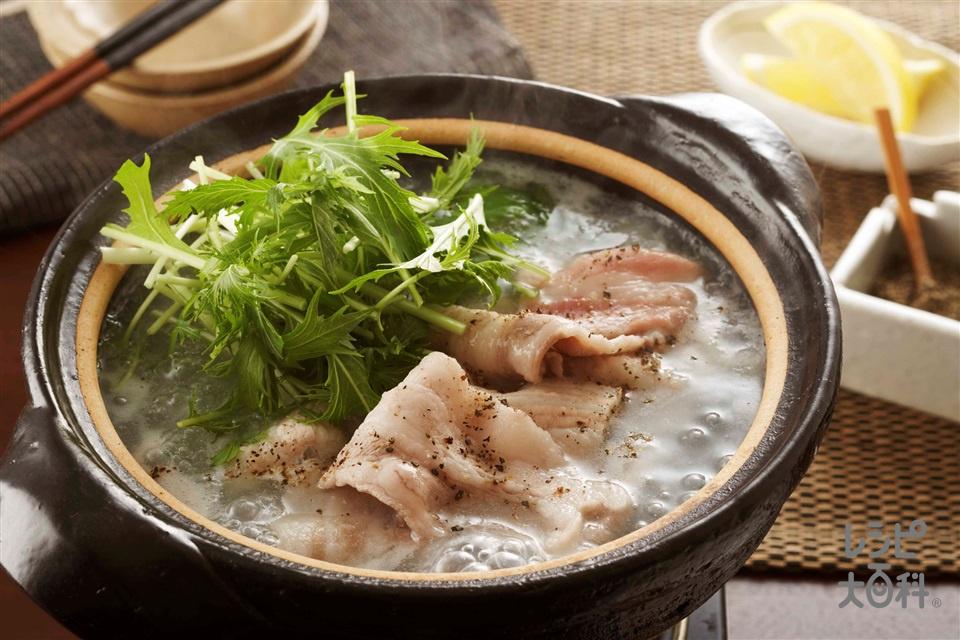豚肉と水菜の塩とろろ小鍋(豚バラ薄切り肉+水菜を使ったレシピ)