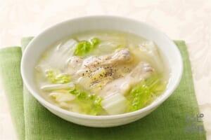 白菜と鶏手羽元の中華スープ
