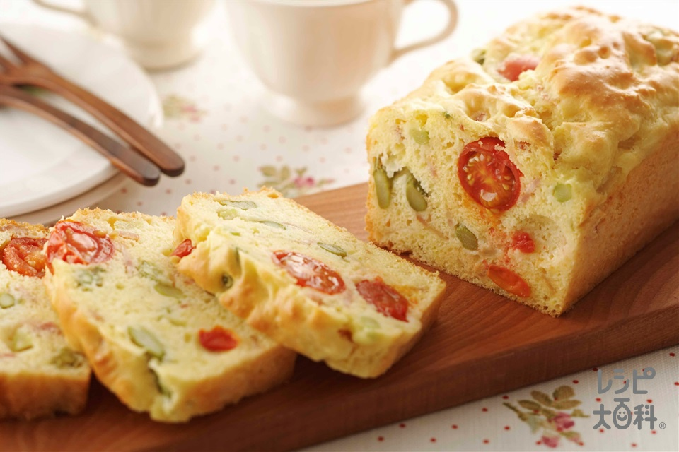 ケークサレ(アスパラ&ベーコン)(ホットケーキミックス+卵を使ったレシピ)