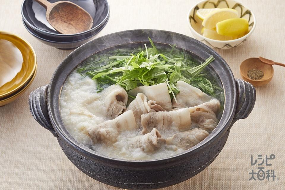 豚肉と水菜のとろろ鍋(豚バラ薄切り肉+長いもを使ったレシピ)