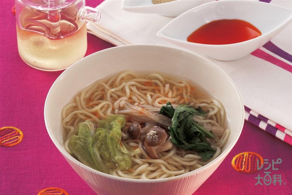 シメのラーメン 酢・こしょう・ラー油でサンラータン風味(中華めん+小ねぎの小口切りを使ったレシピ)