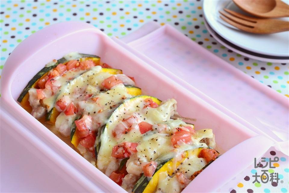 シリコンスチーマーで 鶏もも肉と夏野菜の蒸しもの チーズ風味