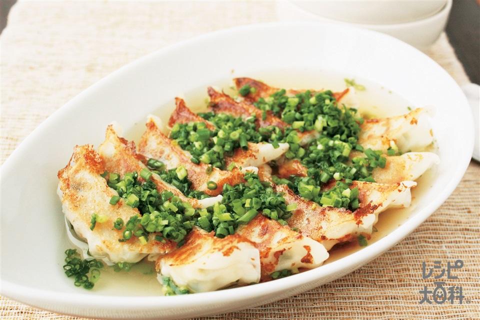 カリカリ餃子スープ(味の素冷凍食品KK「ギョーザ」+「丸鶏がらスープ」を使ったレシピ)