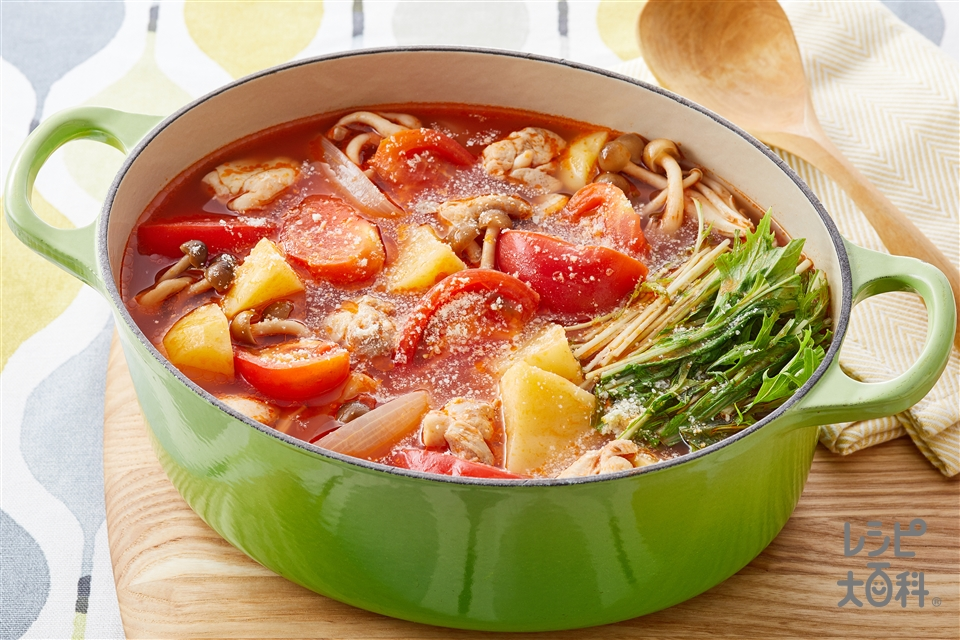 トマト鍋(鶏もも肉+カットトマト缶を使ったレシピ)