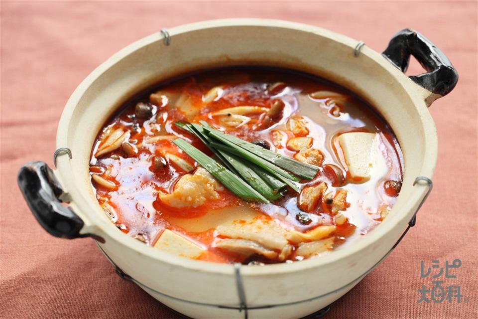 火鍋(鶏もも肉+木綿豆腐を使ったレシピ)
