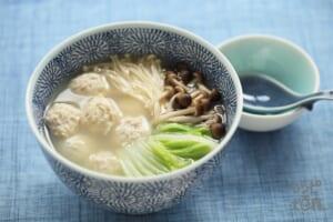 鶏だんごスープ(鶏ひき肉+白菜を使ったレシピ)