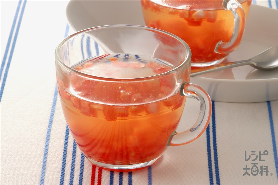 冷たいコンソメトマトスープ(トマト+「味の素KKコンソメ」固形タイプを使ったレシピ)