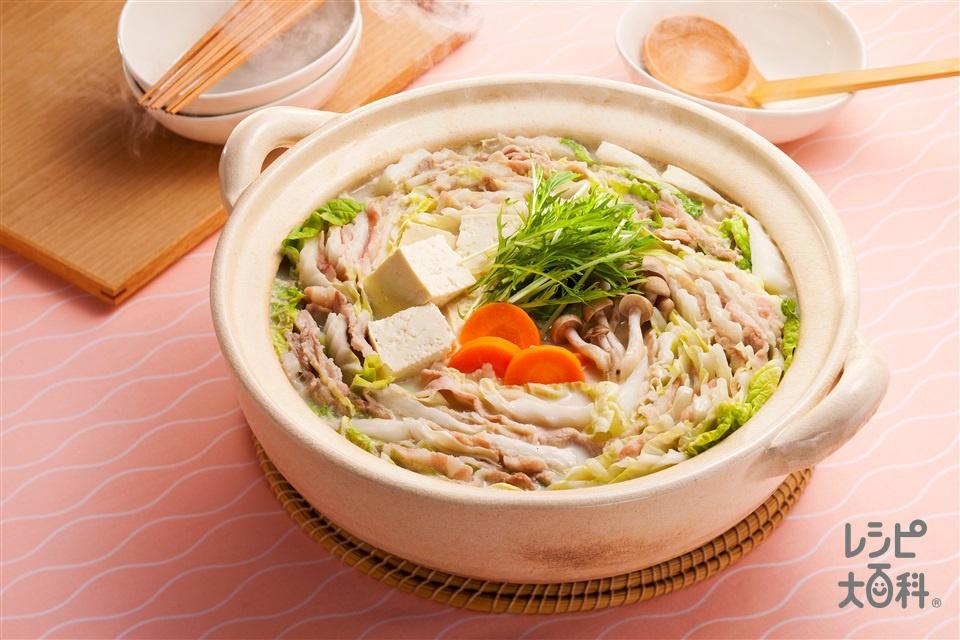 豆乳重ね鍋(豚バラ薄切り肉+白菜を使ったレシピ)