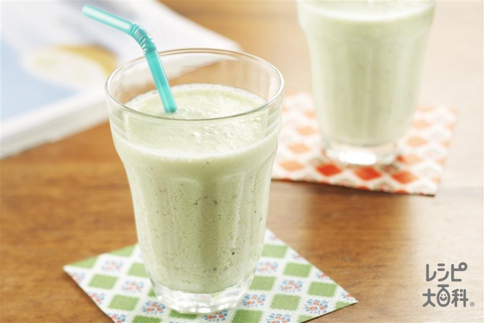 キウイラッシー(プレーンヨーグルト+牛乳を使ったレシピ)
