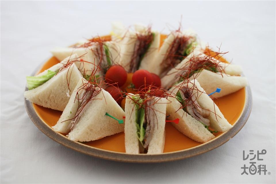豚肩ロースとレタスのサンドイッチ(食パン8枚切り+豚肩ロース薄切り肉を使ったレシピ)