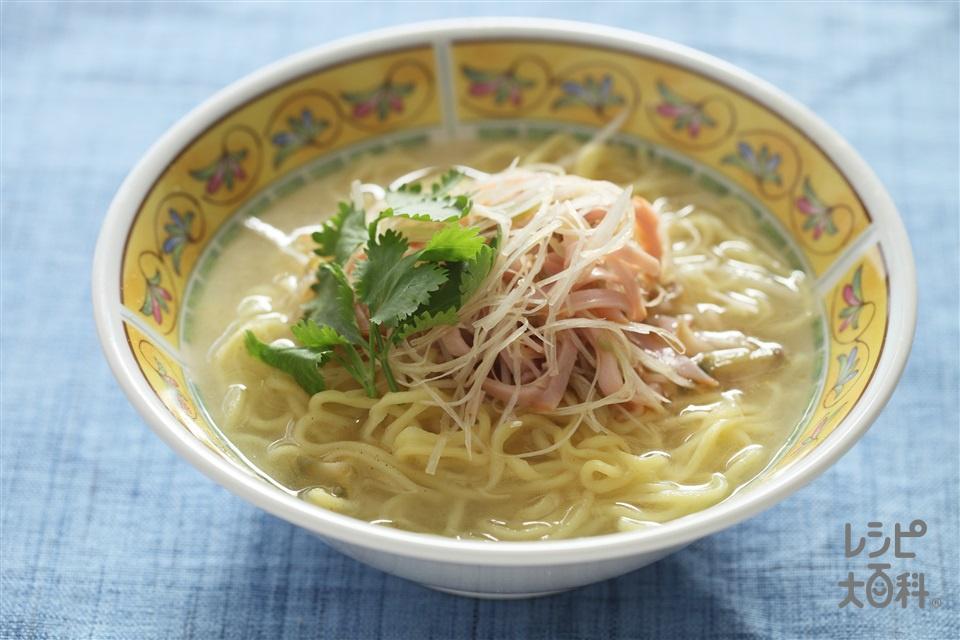 ラーメン(中華めん+ロースハムを使ったレシピ)