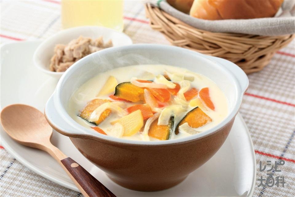 朝からほっこり。かぼちゃとじゃがいものミルクコンソメスープ(かぼちゃ+じゃがいもを使ったレシピ)