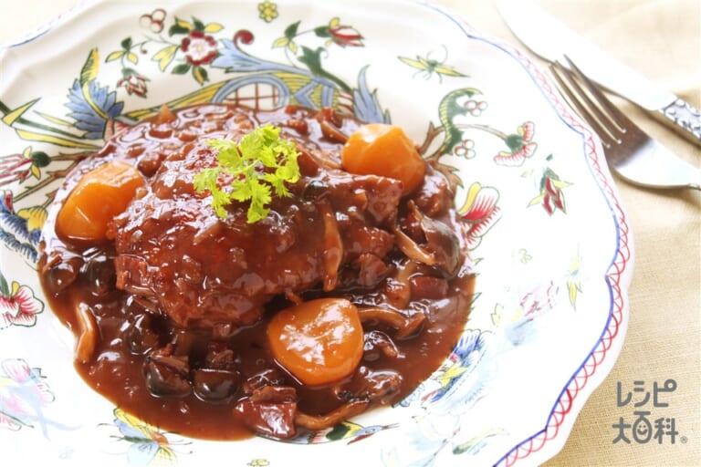 鶏肉と栗の赤ワイン煮込み