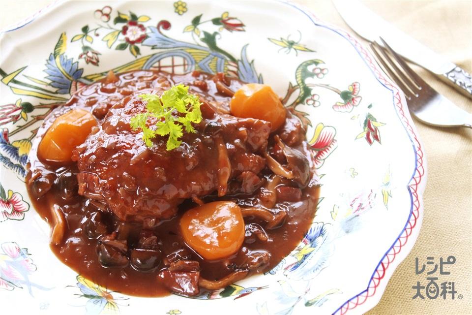 鶏肉と栗の赤ワイン煮込み(鶏もも肉+玉ねぎを使ったレシピ)