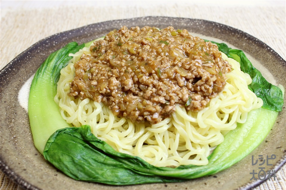 ジャージャー麺(中華めん+豚ひき肉を使ったレシピ)