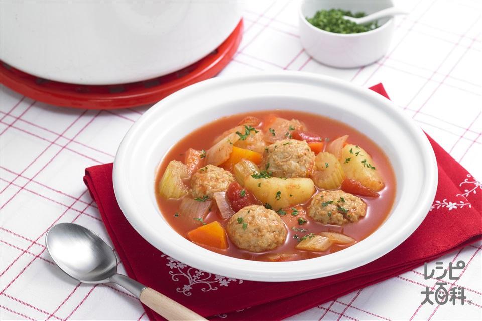 鶏だんごのおかずスープ(玉ねぎ+ホールトマト缶を使ったレシピ)
