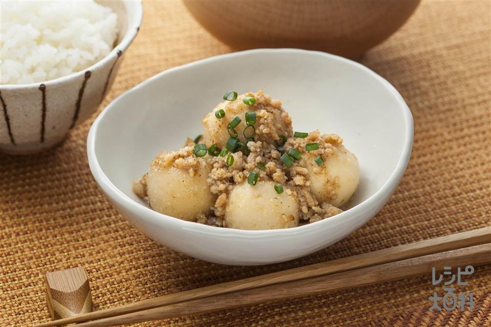里芋と鶏ひき肉のごま煮