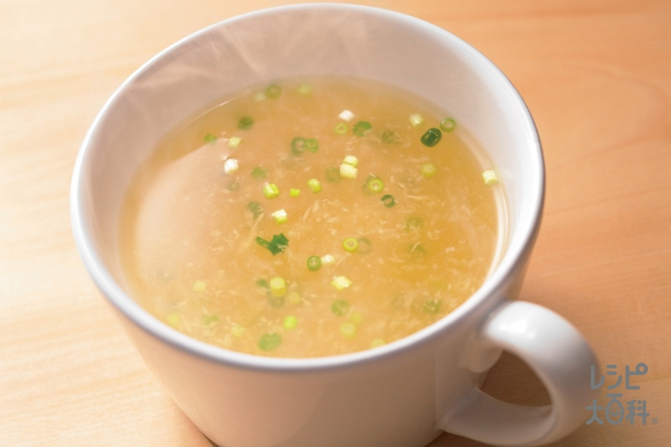 丸鶏生姜スープ(しょうがのすりおろし+小ねぎの小口切りを使ったレシピ)