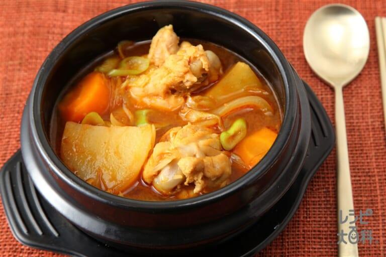 タットリタン(韓国風鶏肉じゃが)