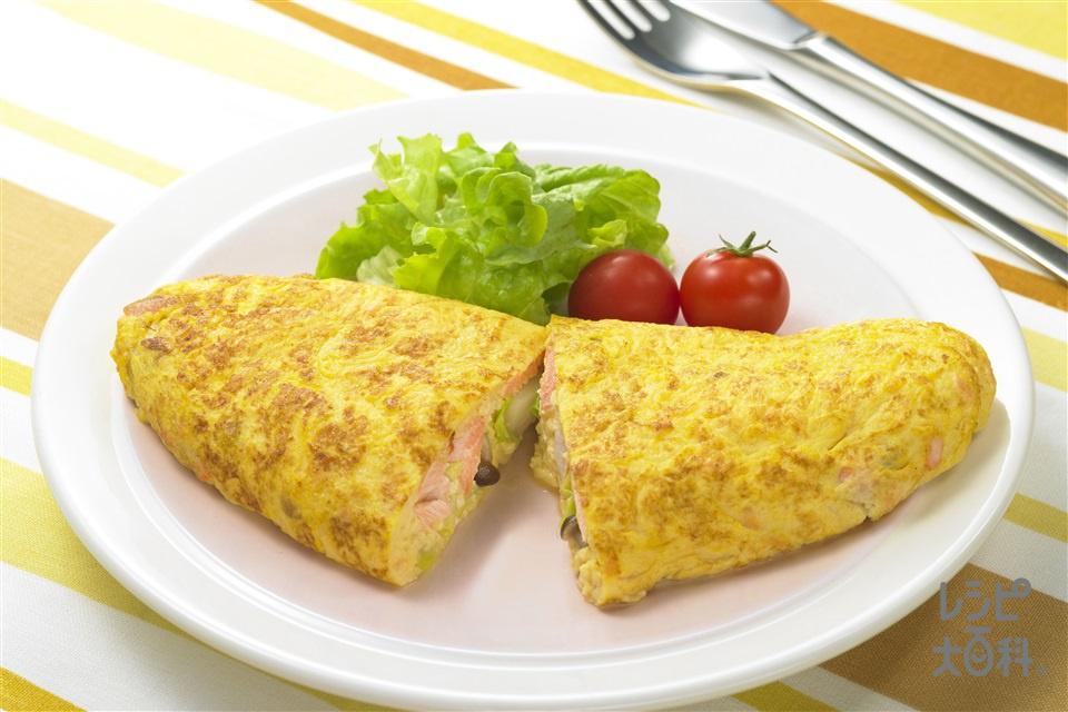 ナイス リメイク!鮭とじゃがいものオムレツ(溶き卵+リーフレタスを使ったレシピ)