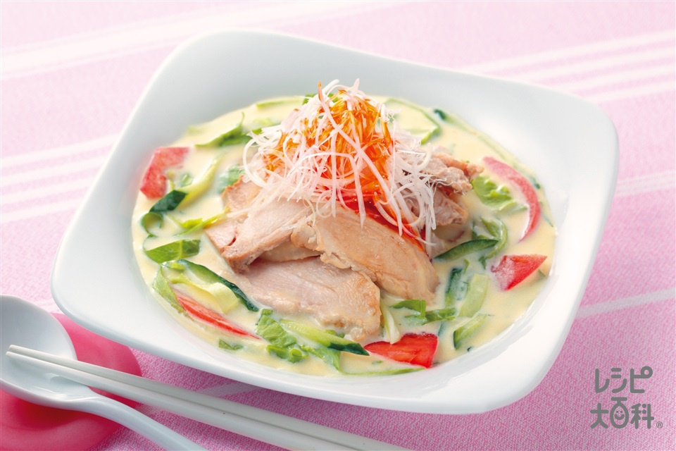 蒸し鶏のスープサラダ(蒸し鶏+しょうゆを使ったレシピ)