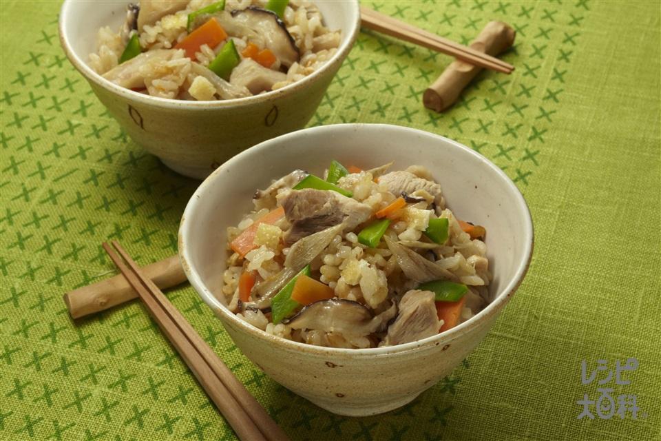 五目炊き込みご飯(米+鶏もも肉を使ったレシピ)