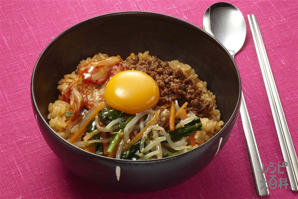 キムチビビンパ(米+「鍋キューブ」ピリ辛キムチを使ったレシピ)