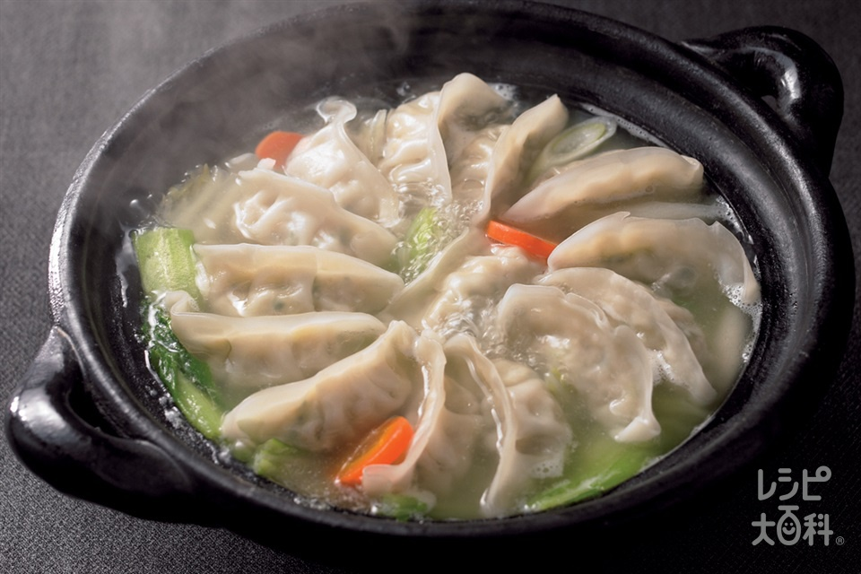 丸鶏餃子鍋(チンゲン菜+白菜を使ったレシピ)
