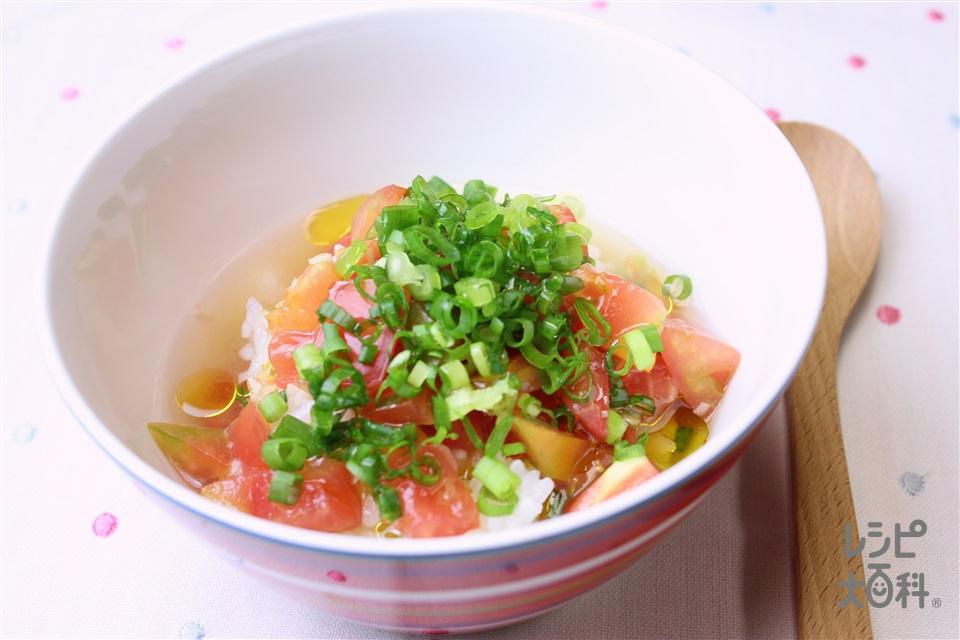 冷やしトマトにんにく茶漬け(冷やご飯+トマトを使ったレシピ)