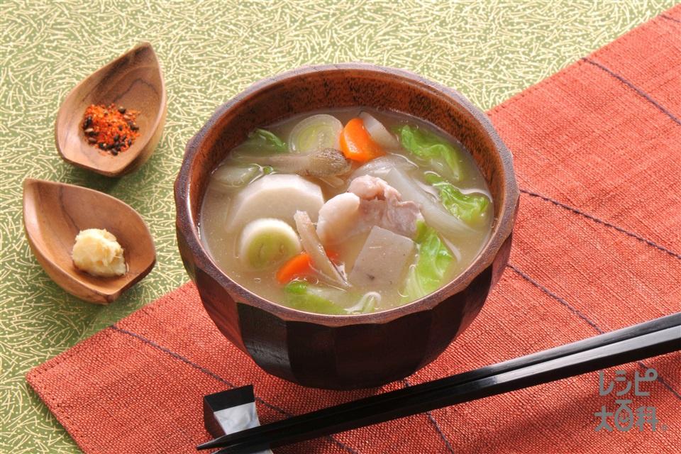 しょうが風味の具だくさん豚汁(豚バラ薄切り肉+白菜を使ったレシピ)