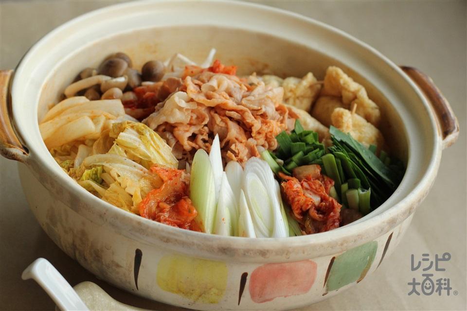 ボリュームたっぷりキムチ鍋(豚バラ薄切り肉+白菜を使ったレシピ)