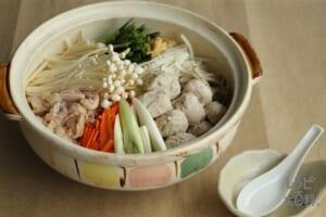 鶏だし鍋(鶏もも肉+鶏ひき肉を使ったレシピ)