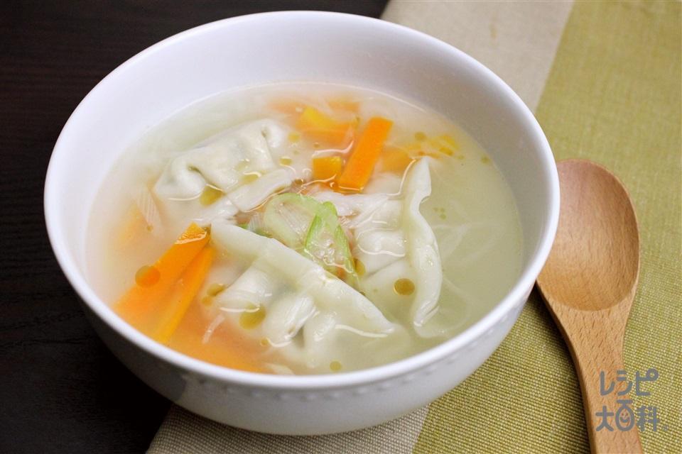 香味ペーストでスープ餃子(味の素冷凍食品KK「もちもち厚皮 水餃子」+ねぎを使ったレシピ)