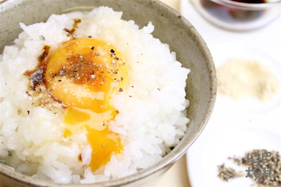 丸鶏たまごかけご飯(炊きたてご飯+卵を使ったレシピ)
