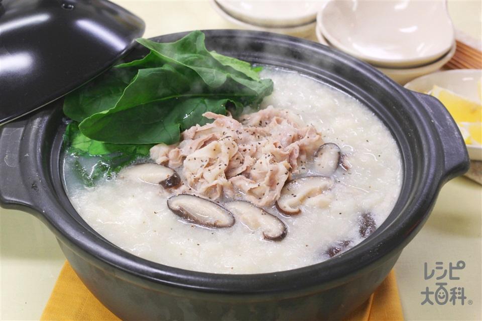 豚肉とほうれん草のとろろ鍋(豚バラ薄切り肉+ほうれん草を使ったレシピ)