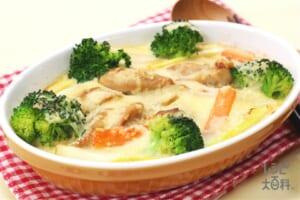 鶏とブロッコリーのやまといもグラタン(鶏もも肉+大和いもを使ったレシピ)