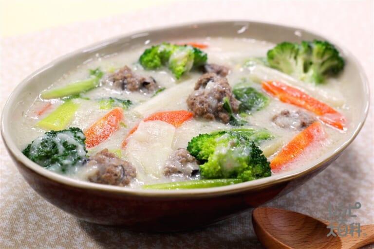 肉団子と白菜のやまといもシチュー