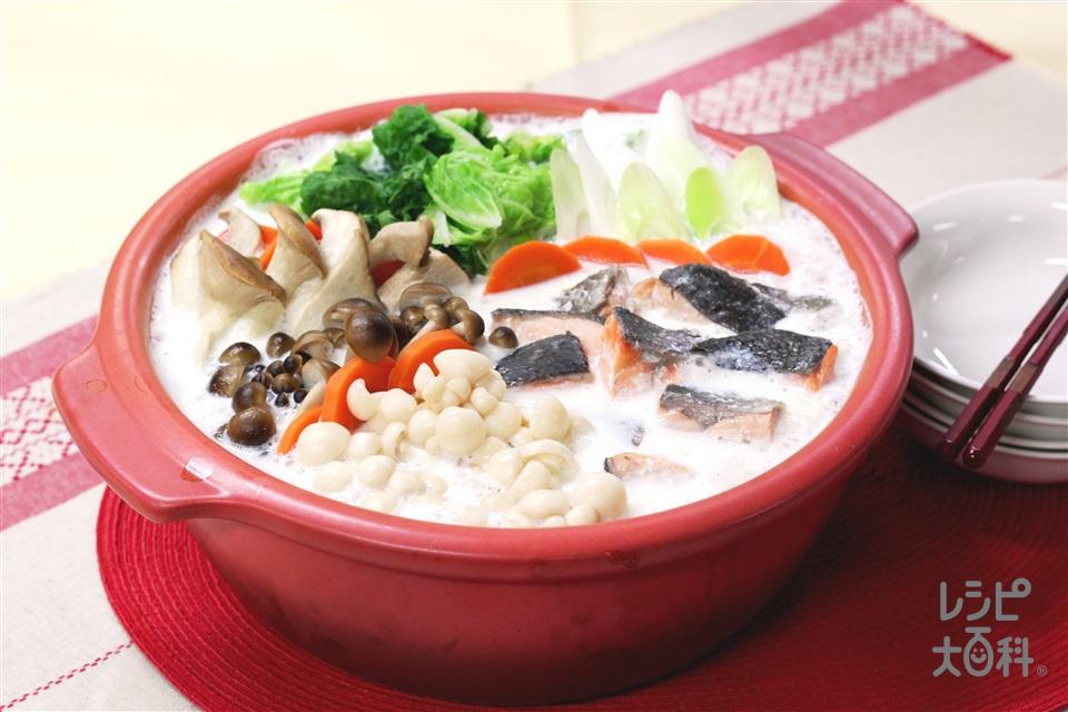 きのこたっぷりミルク鍋(白菜+牛乳を使ったレシピ)