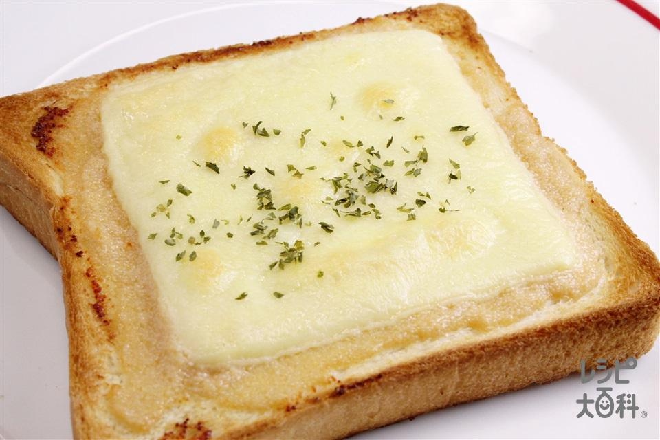 ぶっかけマヨめんたいチーズトースト(食パン6枚切り+スライスチーズ(溶けるタイプ)を使ったレシピ)