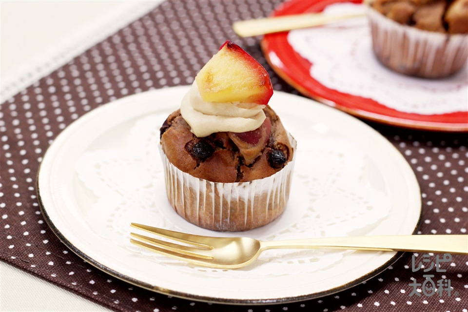 焼きりんごのココアカップケーキ(りんご+ホットケーキミックスを使ったレシピ)