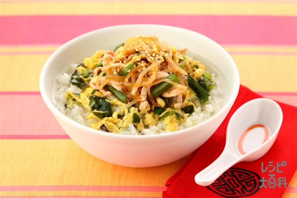 ザーサイの中華風スープかけごはん(ご飯+豚もも薄切り肉を使ったレシピ)