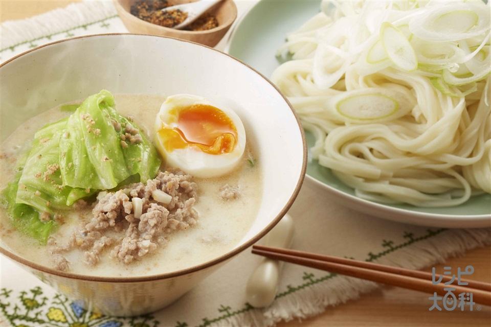 ひき肉とキャベツの白湯風つけうどん(干しうどん+牛乳を使ったレシピ)