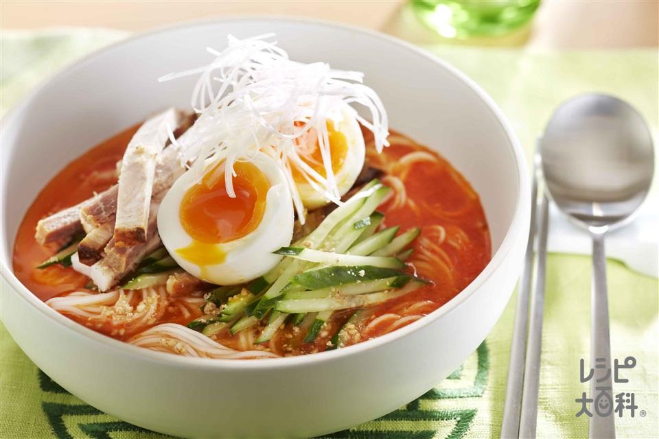 韓国冷めん風ぶっかけそうめん(そうめん+半熟卵を使ったレシピ)