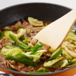 豚肉とキャベツの炒めカレーの作り方_3_2