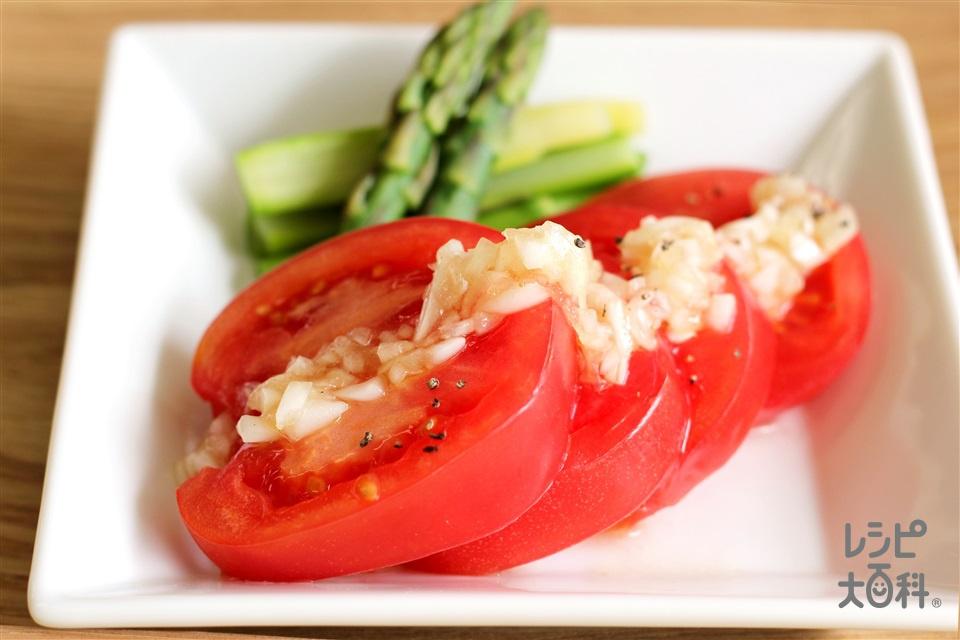 トマトとアスパラのサラダ 玉ねぎドレッシング(トマト+グリーンアスパラガスを使ったレシピ)