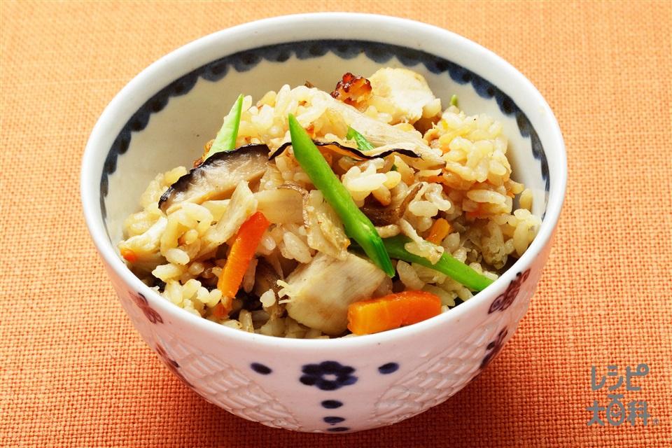 五目炊き込みご飯(米+鶏むね肉を使ったレシピ)