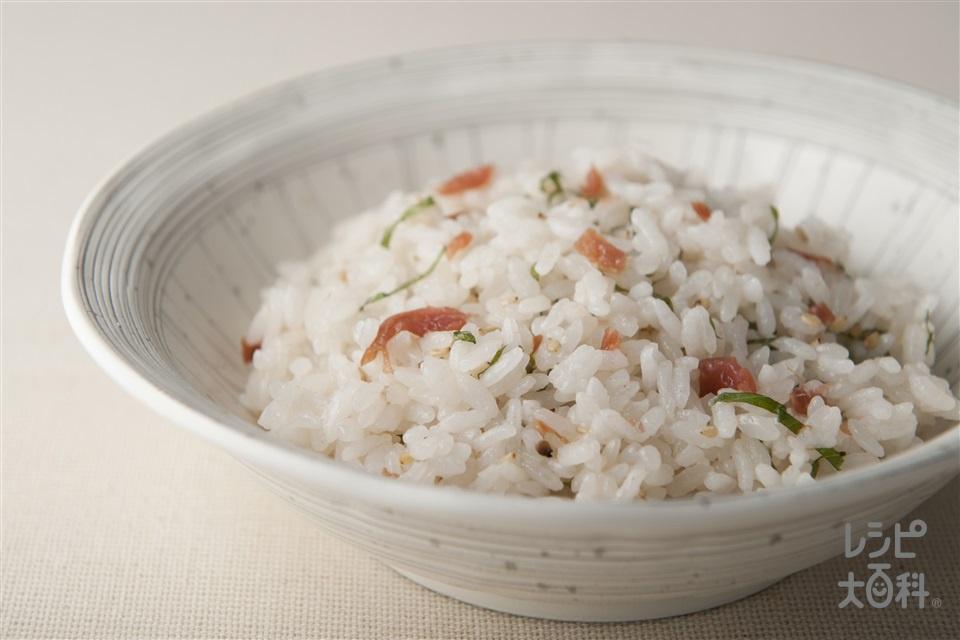 梅混ぜご飯(温かいご飯+カリカリ梅を使ったレシピ)