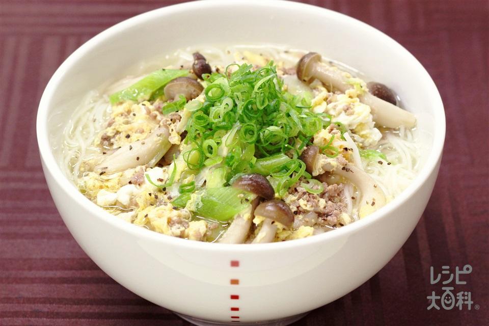 丸鶏温そうめん(そうめん+豚ひき肉を使ったレシピ)